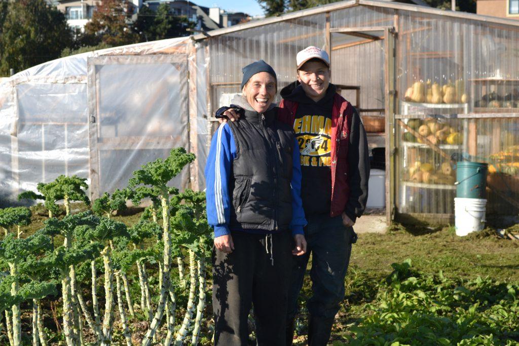 Kareno Hawbolt and Kimi Hendress at Sweet Digz Farm